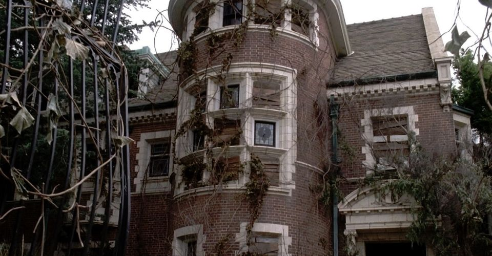 American Horror Story Season 1 S Murder House Is Haunted In Real Life