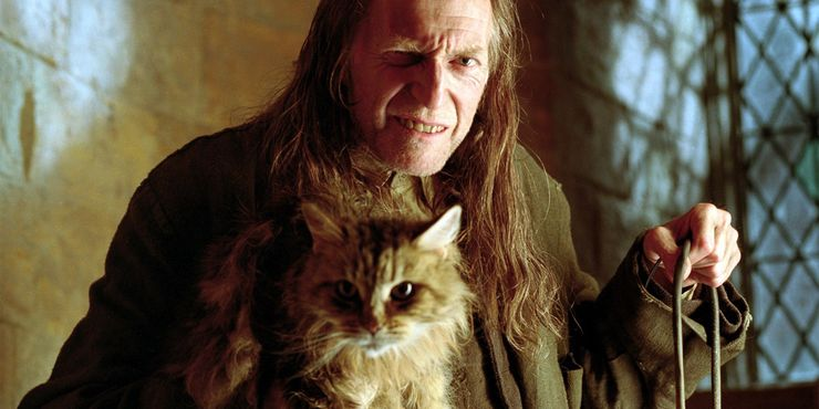 Argus Filch and Mrs Norris in Harry Potter