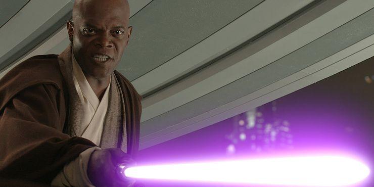 Mace Windu attaque au sabre laser violet Palpatine