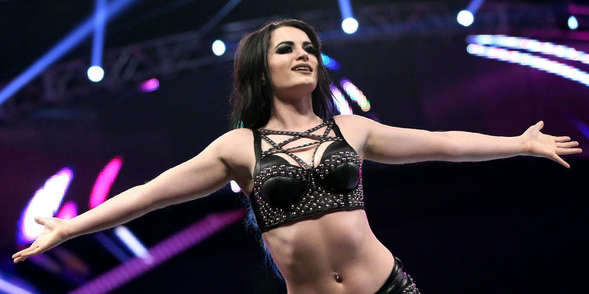 Wwe Raw Paige Returns With Debuting Nxt Names  Screenrant-6136