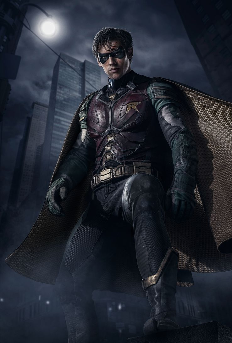 Titans-Robin-Costume-Full-Reveal.jpg?q=5