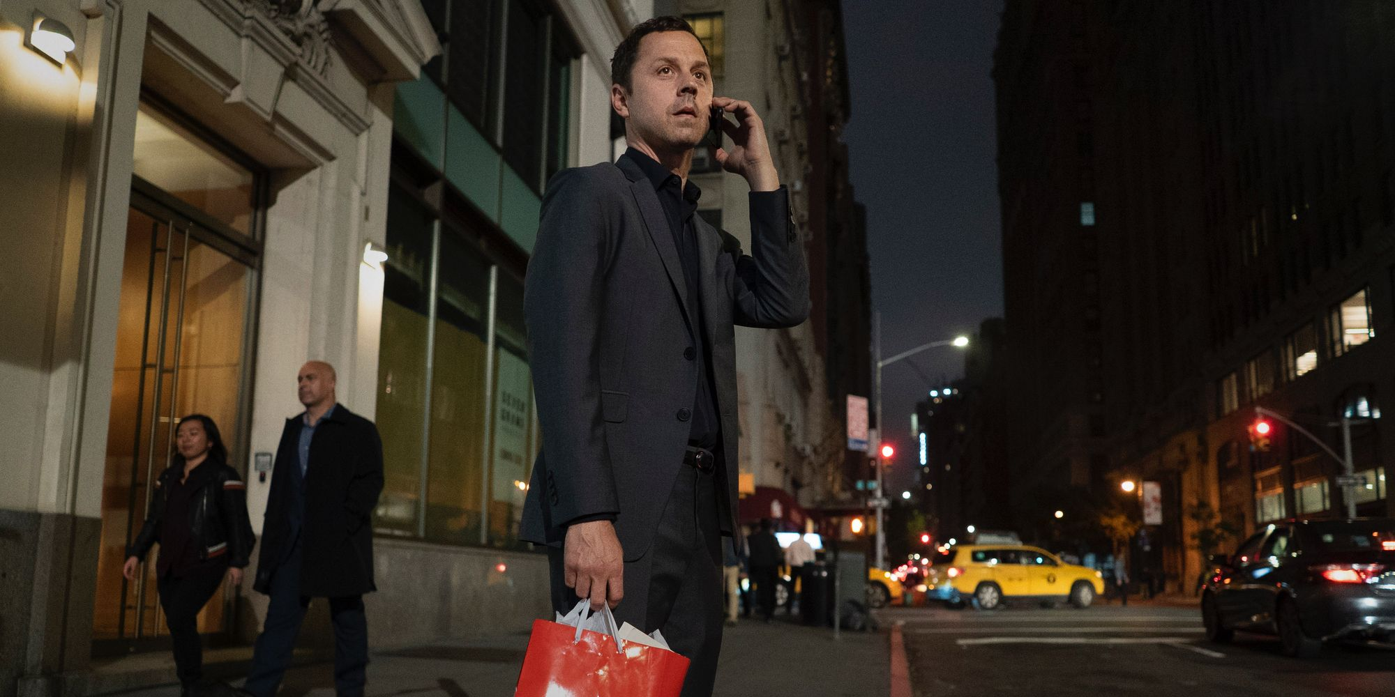 Sneaky Pete Season 3 Trailer: The Family That Cons Together