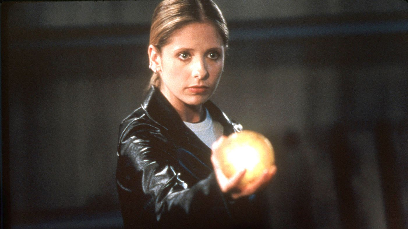 Buffy The Vampire Slayer: The 10 Most Powerful Weapons