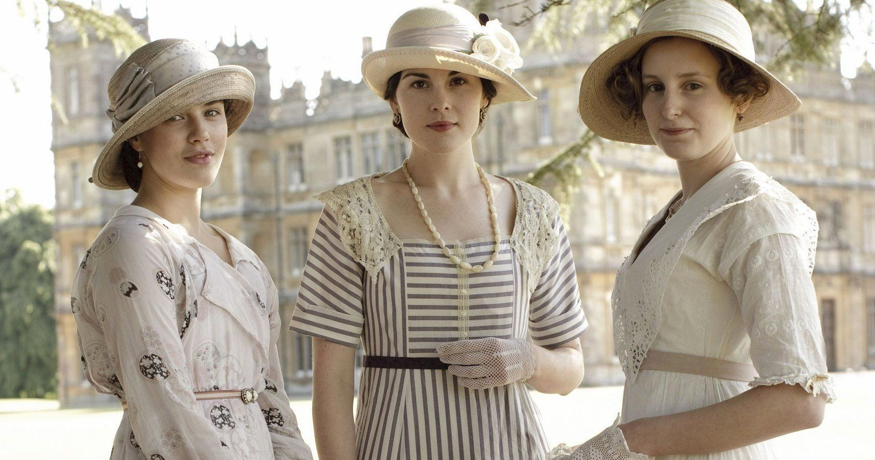 Downton Abbey: 10 Best Costumes On The Show, Ranked | ScreenRant