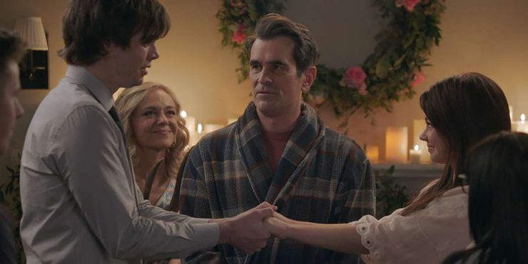 Modern Family 5 Reasons Haley Should Have Been With Andy 5 Why Dylan Was The Right Choice