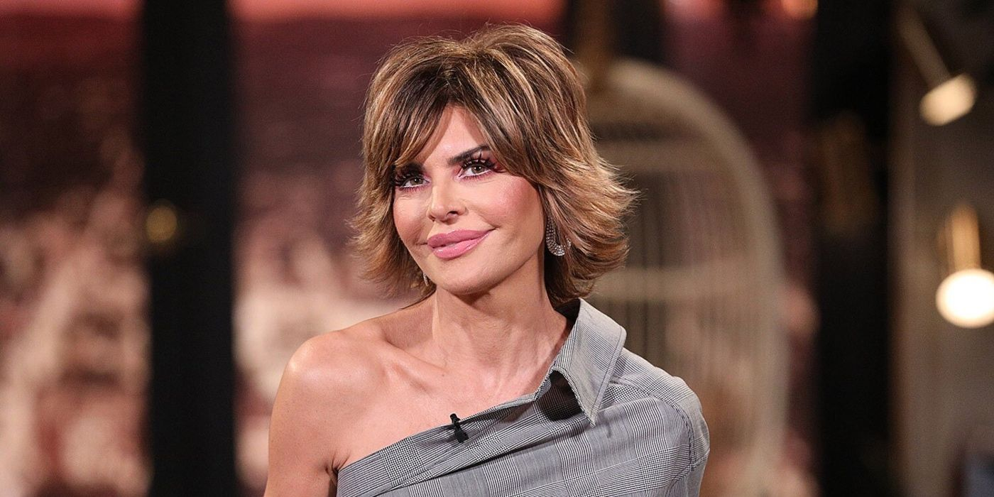 RHOBH: Lisa Rinna Goes High Glam With Long Hair To Promote Rinna Beauty