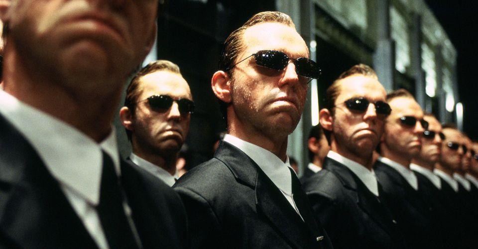 https://static3.srcdn.com/wordpress/wp-content/uploads/2020/09/Hugo-Weaving-As-Agent-Smith-In-The-Matrix.jpg?q=50&fit=crop&w=960&h=500&dpr=1.5