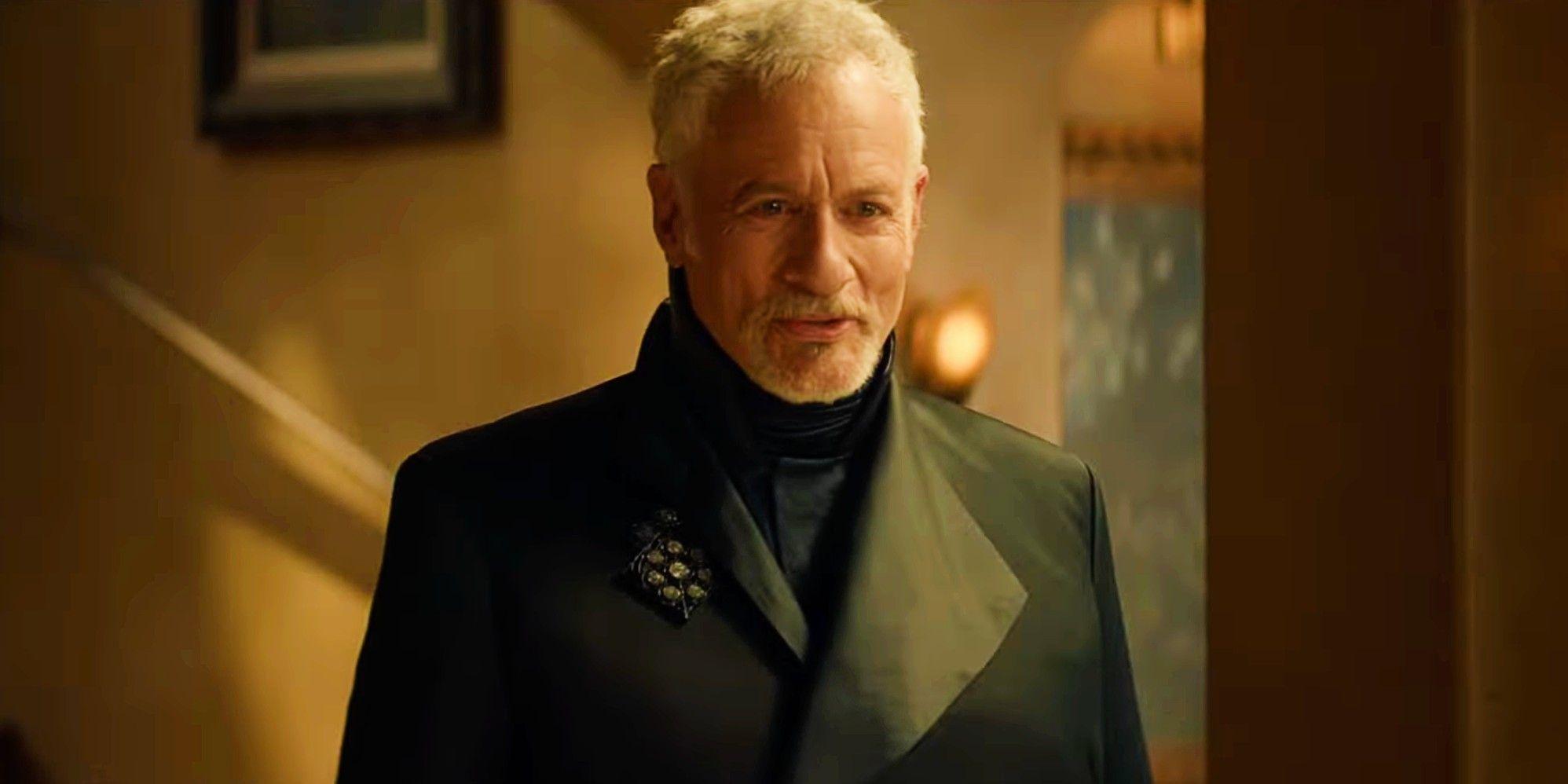 Star Trek's John de Lancie Teases Very Different Q In Picard Season 2