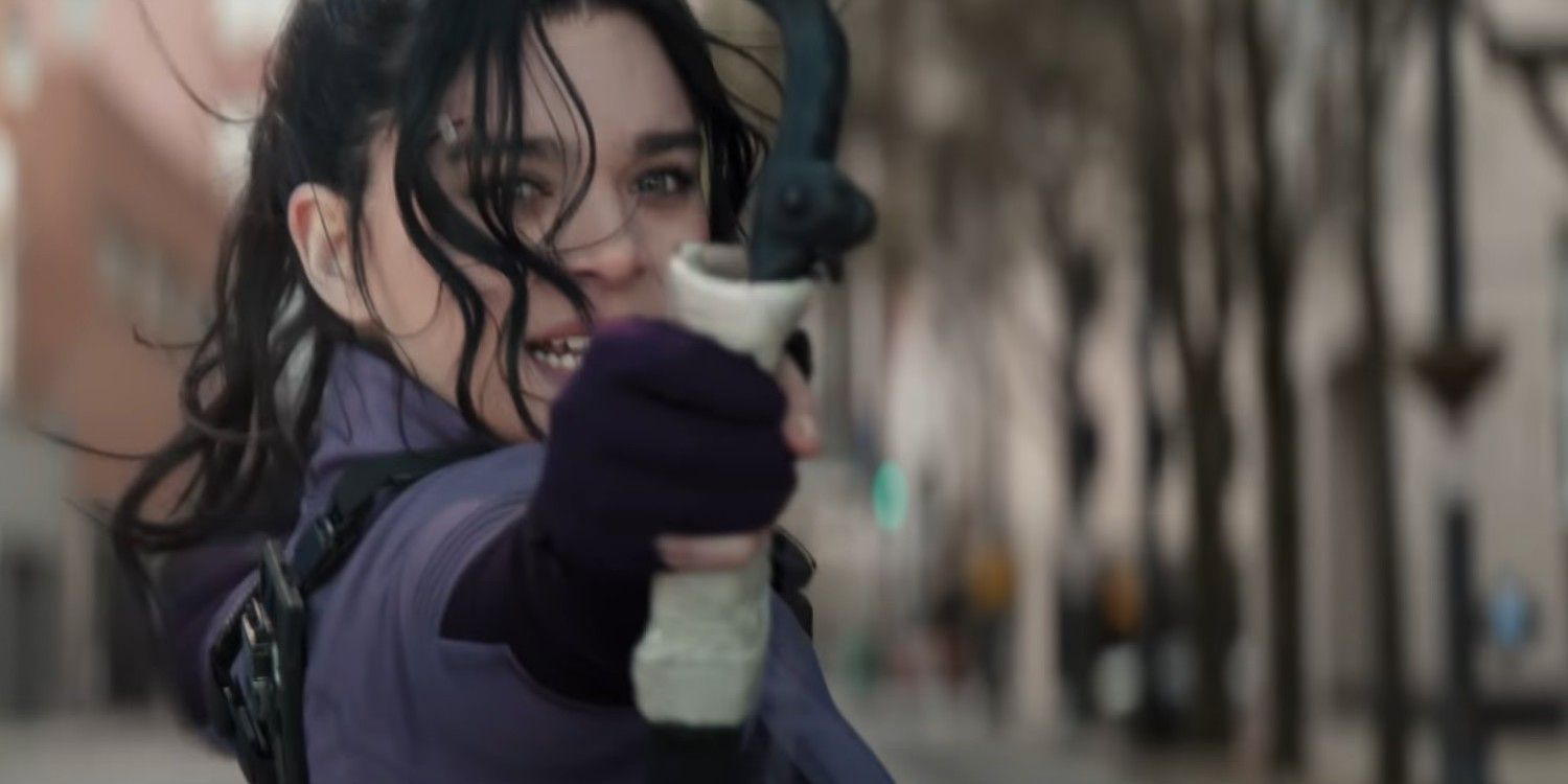 Hailee Steinfeld Compares Playing Hawkeye s Kate Bishop to Dickinson