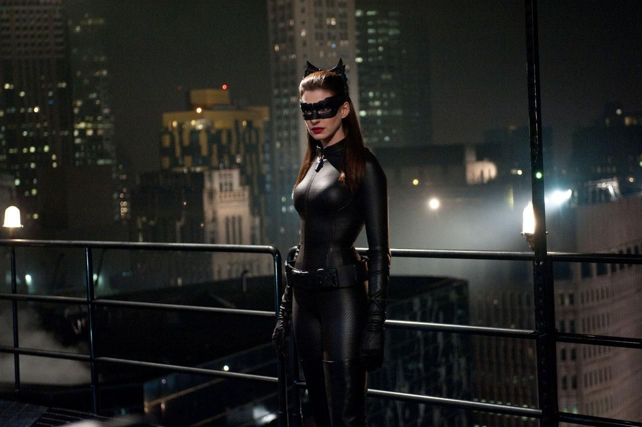 & Anne Hathawayu0027s Catwoman Costume in The Dark Knight Rises Revealed!
